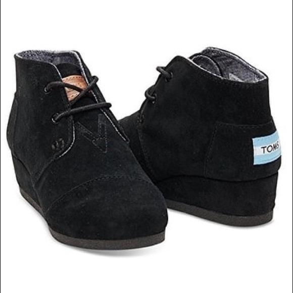 Toms Shoes   Desert Wedge Suede Bootie
